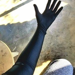 VTG Elegant Black Shiny Long Gloves